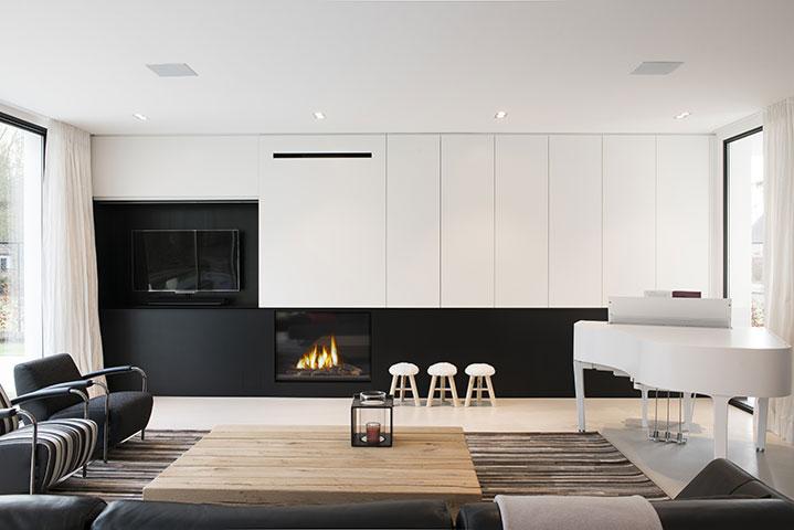Strakke design villa te schilde keukens uytterhoeven for Strak interieur